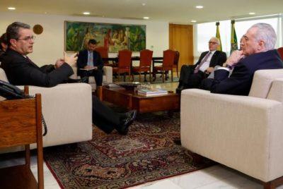 Temer recebe o diretor-geral da Organização Mundial do Comércio (OMC), Roberto Azevêdo, no Palácio do Planalto (crédito AB)