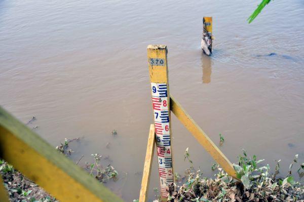 Atenção: O alerta somente é acionado quando chega a níveis em que a água chega à beira da via, 2,85m ou de transbordo, acima de 2,90m - Paulo Dimas