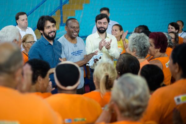 Visita: Prefeito faz vista surpresa ao programa Melhor Idade no bairro Açude - Gabriel Borges – Secom/VR