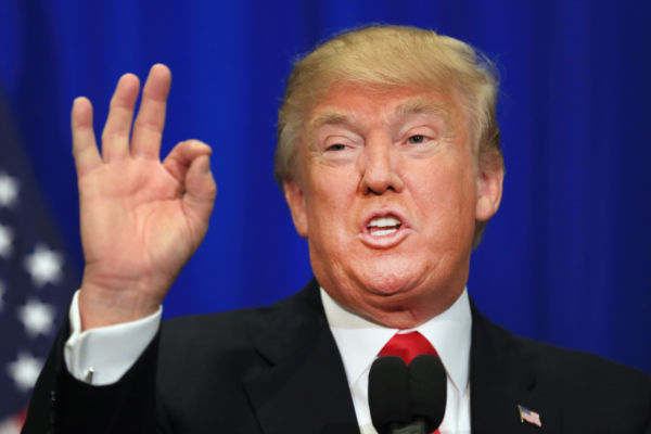 Midiático: Trump faz discurso que agrada ignorantes e caipiras, mas governa de olho no mercado (Foto: Arquivo)