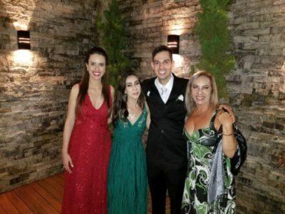 A advogada Silvana Lobo (aniversariante do dia) com os seus amores, Camila, Bianca e Heitor