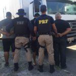 Policiais prendem motorista que dirigia caminhão clonado na Dutra (crédito PRF)