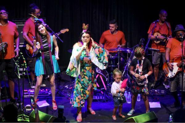 Camarote Expresso 2222: Mistureba se apresentou em Salvador todos os dias de Carnaval  (Fotos: Divulgação)