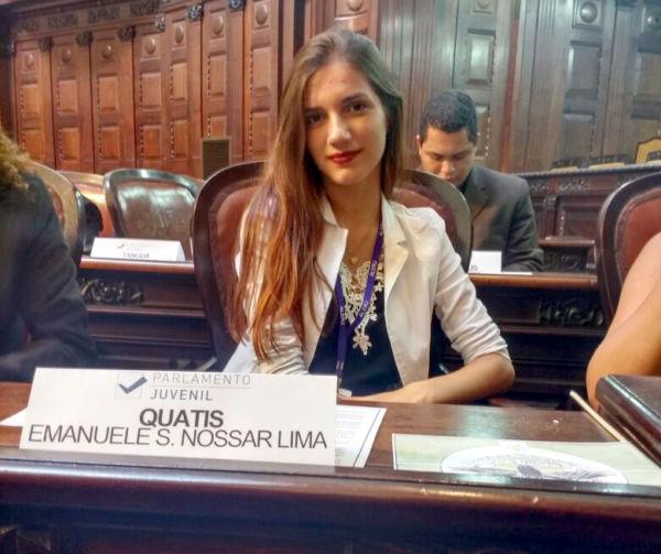 Destaque: Emanuele Silva Nossar Lima, aluna do Colégio estadual Américo Pimenta, terceiro lugar no Projeto Parlamentar Juvenil (Foto: Divulgação)
