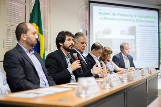 Na Firjan: Prefeito Samuca Silva destaca a importância do município em sediar um entreposto de grãos (Foto: Gabriel Borges/SecomVR)
