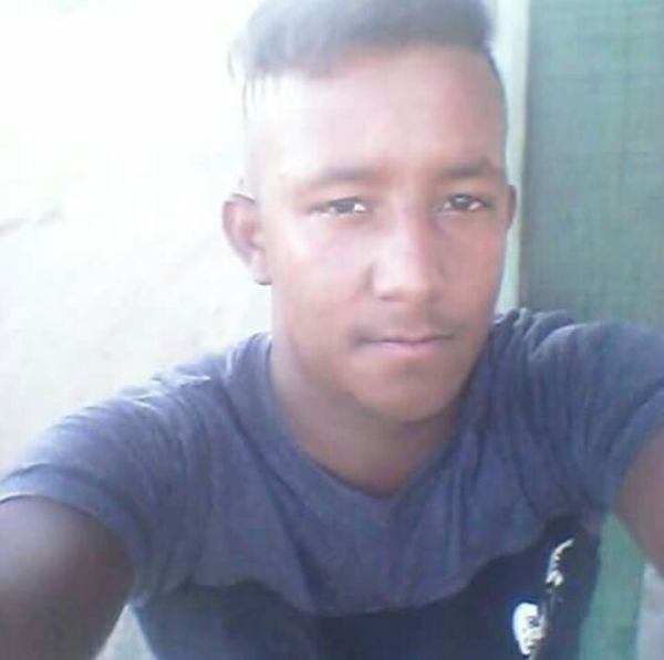 Desaparecido: Adalberto tem 20 anos e desapareceu em Três Rios. (Foto: Via WhatsApp).