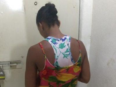 Suspeita tinha mandado de prisão decretado pela Justiça (crédito PC)