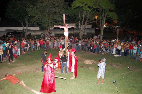 Sexta-feira Santa: Cerca de 200 moradores do distrito se juntam para recontar a Paixão de Cristo em Barra Mansa (Foto: Chico de Assis)