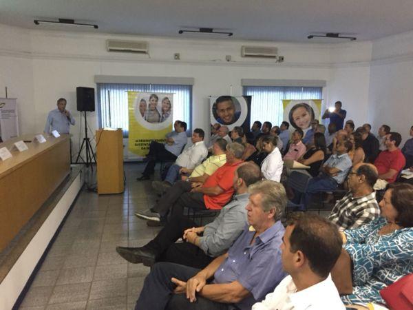 Informação: Empresários ouviram palestra sobre importância da Educação (Foto: Gabriel Borges - Secom PMVR)