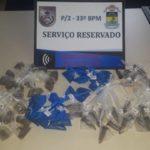 Droga estava escondida no Perequê, onde quatro suspeitos de tráfico foram presos (Foto: Cedida pela Polícia)