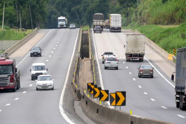 Feriado: Via Dutra terá operação especial de orientação e atendimento aos motoristas e passageiros que utilizarão a via durante o feriado de Páscoa - Paulo Dimas