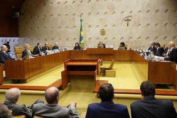 Por 7 votos a 4, os ministros admitiram julgar o habeas corpus