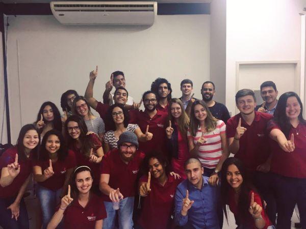 Comemoração: Estudantes de Direito da UFF de Volta Redonda fundaram a primeira empresa júnior jurídica do estado do Rio de Janeiro (Foto: Divulgação)