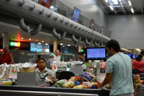 Supermercados experimentaram queda de 0,6% no faturamento em todo o país (crédito AB)