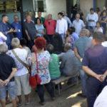 No local: Rodrigo Drable fala a moradores no local onde funcionará a subprefeitura (Foto: Paulo Dimas - CMBM)