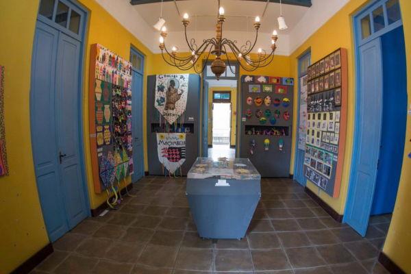 Arte: Exposição reúne mais de 400 trabalhos entre desenhos, pinturas, montagens e colagens, produzidas pelos alunos da rede municipal de ensino (Foto: Divulgação)