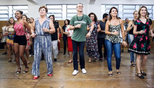 A Dança de Salão, ofertada pelo CDR, envolve samba de gafieira, bolero, soltinho, Zouk e Forró (Foto: Divulgação)