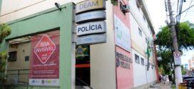 Homem é morto a tiros dentro do carro em Volta Redonda