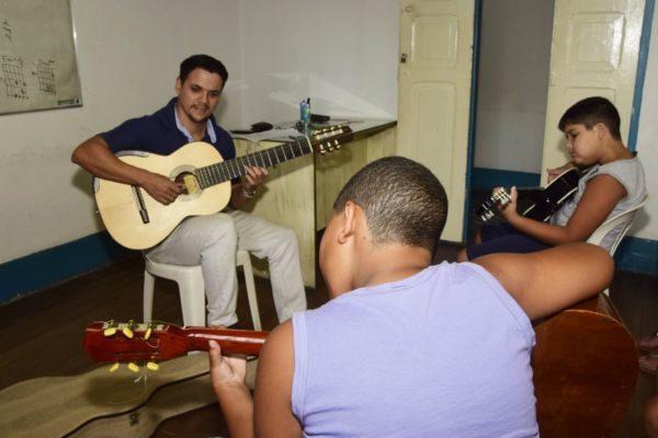 Oficinas são opção cultural para quem mora na vila de Mauá