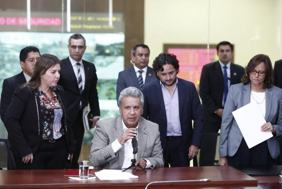 Presidente do Equador afirma que jornalistas foram assassinados
