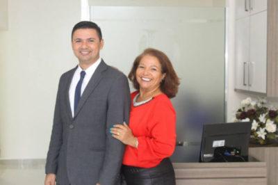 Os advogados Ana Lopes e André Oliveira, inauguram amanhã, seu novo escritório de advocacia (Foto: Divulgação)