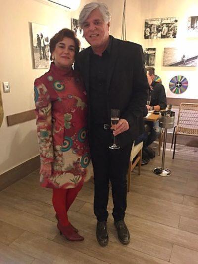 A restauranteur Ana Tereza Duarte e o estilista Ruy Dantas, no Di Duarte Caffé e Bistrô