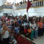Religiosidade: Fiéis lotam Igreja de São Jorge na Ponte Alta (Foto: enviadas pelo WhatsApp)