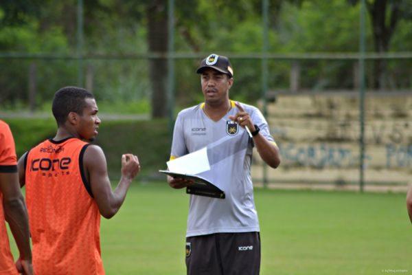 Orientando: Marcelo Salles deve estrear alguns dos reforços contratados para a Série C