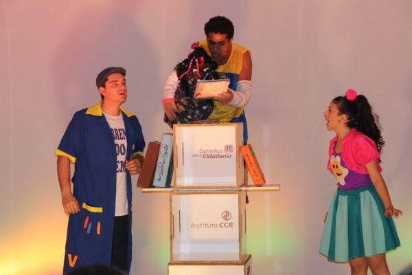 Peça teatral em Pinheiral desperta para a solidariedade entre alunos (crédito Divulgação)