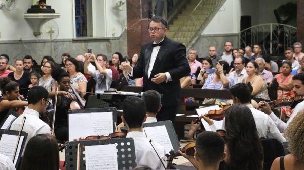 Maestro: A regência é do maestro Vantoil de Souza e o concerto contará ainda com um solo da violinista Olga Galeano