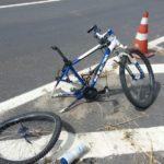 Bicicleta de idoso atropelado fica destruída. (crédito Divulgação)