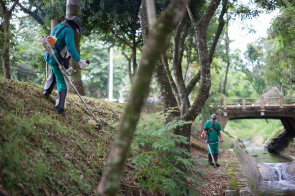 Limpeza: Mutirão faz parte do 'Volta Redonda Cidade Limpa' (Foto: Gabriel Borges - Secom/VR)