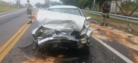 Acidente na BR-393 deixa três feridos