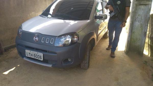 Um dos veículos apreendidos pela Polícia Civil em operação no Belém