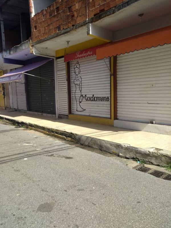 Traficantes mandam comerciantes fecharem as portas (foto: Enviada por WhatsApp)