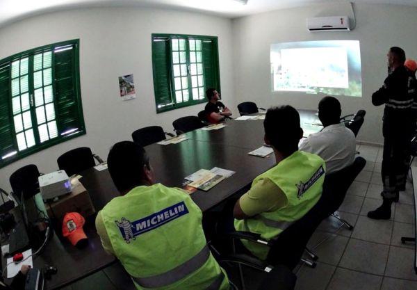 Interação: Representantes de diversos setores discutem projetos para serem desenvolvidos por meio de parcerias. (Foto: Divulgação.)