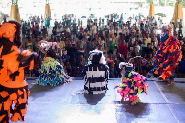 Grupos fizeram apresentação da Ilha São João, em Volta Redonda (foto: Gabriel Borges -Secom)