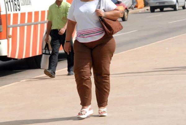 Estima-se que pelo menos 15 mil casos de câncer por ano no Brasil, ou 3,8% do total, poderiam ser evitados com a redução do excesso de peso e da obesidade. (crédito AB)