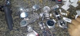 PM recupera material roubado em relojoaria de Angra dos Reis