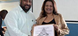 Smac entrega certificados de 'Família Acolhedora'