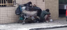 Abordagens de pedintes incomodam comerciantes e pedestres em Barra Mansa