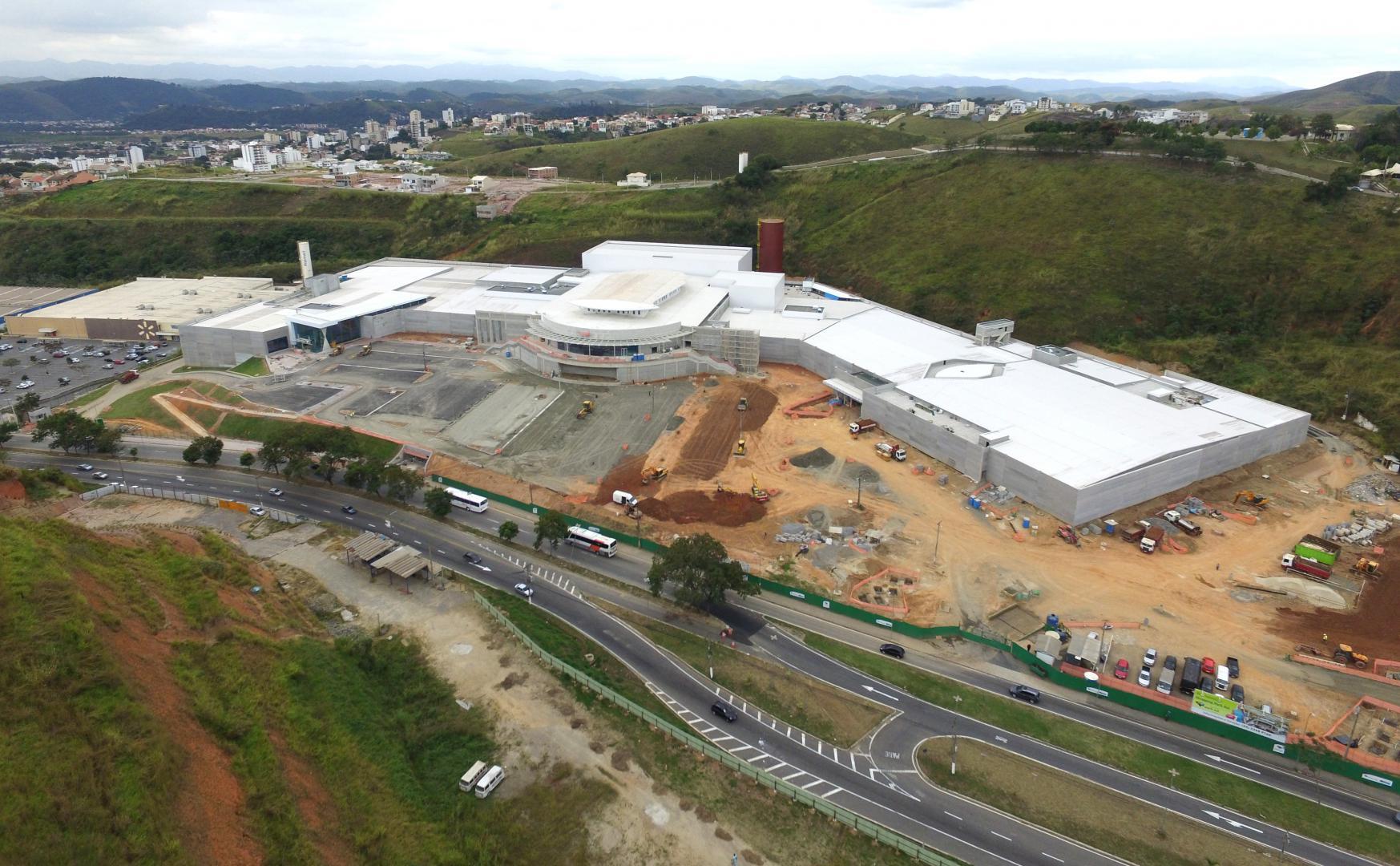 fb7aabcca Vista aérea  park Sul está em fase de acabamento e será o maior shopping da  região