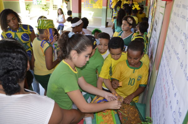 Evento reuniu alunos, professores, comunidade e direção de escola de Piraí