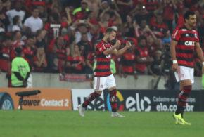 Flamengo vence o Grêmio e se classifica