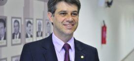 Alexandre Serfiotis abre campanha nas redes sociais