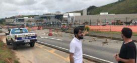 Samuca Silva mostra compensação por corte de árvores em acesso a shopping