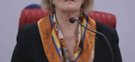 Rosa Weber contesta questionamentos sobre segurança das urnas