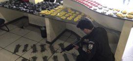 Após troca de tiros, polícia apreende mais de duas mil cápsulas de cocaína em Angra