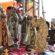 Trabalhos natalinos de artesãos são vendidos na Praça da Matriz