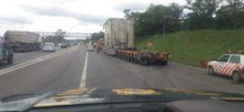 Greve dos caminhoneiros impede carreta com carga especial de seguir viagem